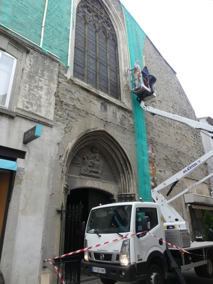 Pose des filets sur la 2ème facade des Carmes 2